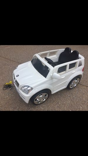 Mercedes GL ride in children's SUV with charger works great! Franklin pickup! Radio and MP3 long lasting 6V battery. Charger and manual included. R for Sale in Franklin, TN