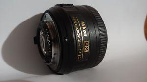 Nikon 35mm f/1.8 for dx crop sensor dslr for Sale in Grand Prairie, TX