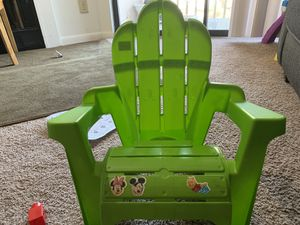 Little tike kids chair for Sale in UPPER ARLNGTN, OH