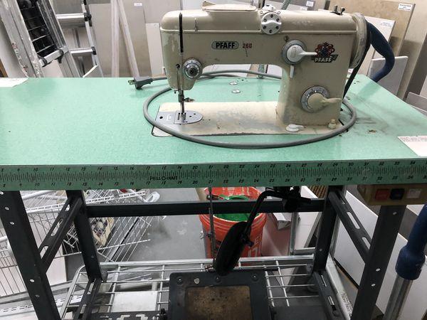 Maquina de coser pfaff 260 for Sale in SUNNY ISL BCH, FL