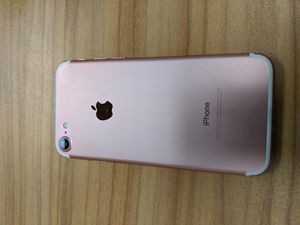iPhone 7 32gb Rose Gold for Sale in Sterling Heights, MI