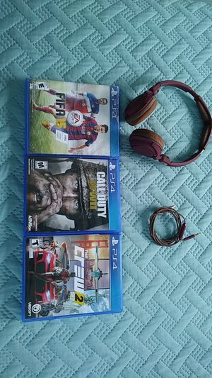 PlayStation 4/ Games: 3 games and one Headphone for Sale in North Miami Beach, FL
