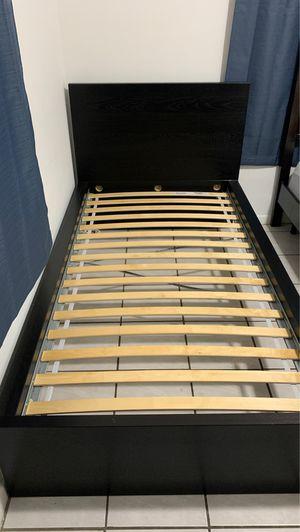 Twin bed for Sale in Miami Beach, FL