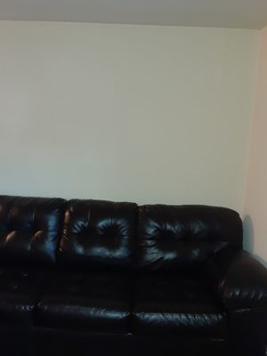 new used jarons leather sectional couch. for Sale in Trenton, NJ