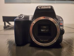 Canon Rebel SL2 DSLR Camera for Sale in Waterbury, CT