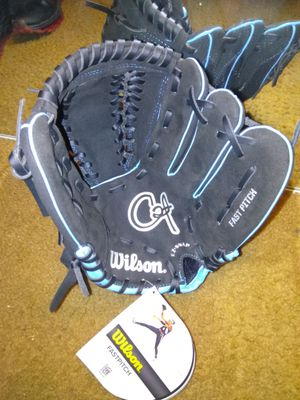 Youth girls softball glove for Sale in St. Louis, MO