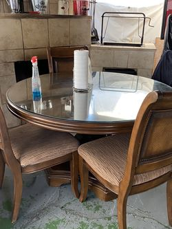 Table for Sale in Lynwood,  CA
