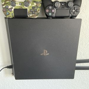 PS4 ALL INCLUDED MUST GO NOW!!! for Sale in Miami, FL