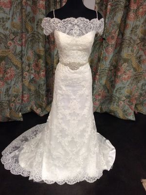 Maggie Sottero Louise Vintage Wedding Dress - size 12 for Sale in Tacoma, WA