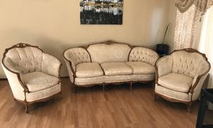 Cream Victorian Couch Set for Sale in Oakland, CA