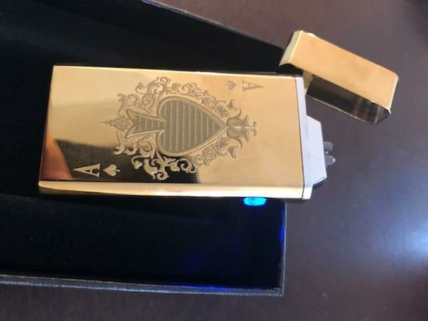 Gold poker electric USB rechargeable lighter. World series of poker limited edition only 25 made
