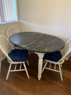 Table and Chairs for Sale in Boynton Beach, FL