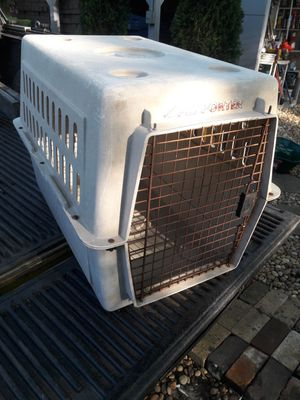 DOG kennel 31 20 n 23 inch ..300 other items. look under sellers other items for Sale in Atlanta, GA