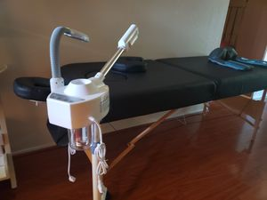 2 in 1 facial steamer and magnifying light for Sale in Glendale, AZ