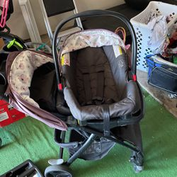Graco Stroller & Car seat for Sale in Fresno,  CA