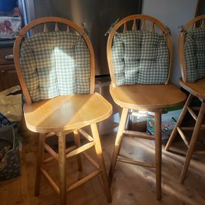 """Oak Swivel 30"""" Counter Stools w Pads. for Sale in Lawrence, NY"""
