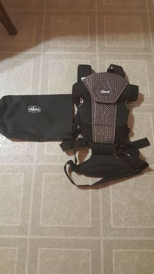 Chicco ultra soft baby carrier for Sale in Shelby Charter Township, MI