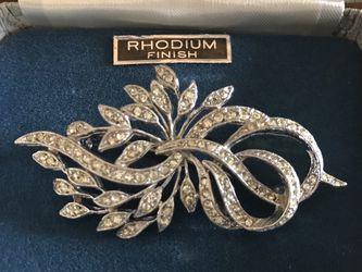 Vintage Silver Tone Rhinestone Brooch for Sale in Lithia,  FL