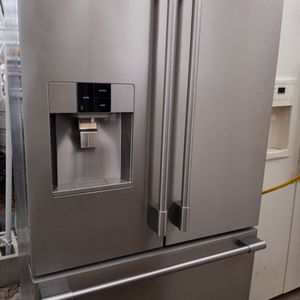 Frigidaire Professional Stainless Steel Refrigerator for Sale in Stockton, CA