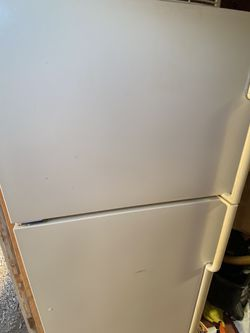 Refrigerator For Free for Sale in Portland,  OR