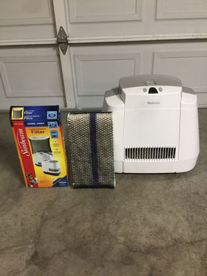 Humidifier with mist (and FREE new filter) for Sale in Hayward, CA