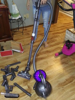Dyson Animal canister vac for Sale in Baytown, TX
