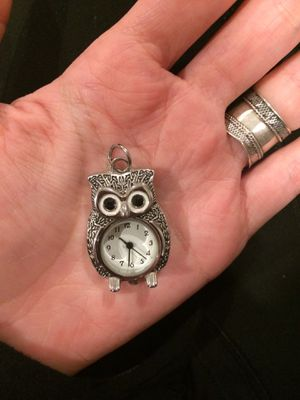 🦉 Owl clock charm for Sale in Newport Beach, CA