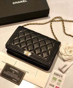 Chanel leather cross body bag for Sale in Fort Lee, NJ