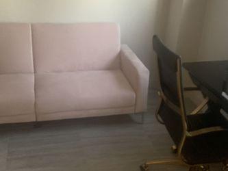 Safavieh blush futon- Pulls Out! for Sale in Miami,  FL