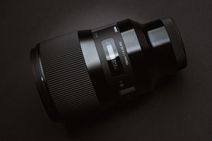 Sigma 135mm f1.8 Art for Sony E-Mount for Sale in Seattle, WA