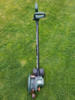 Electric black and decker edger for Sale in Everett, WA
