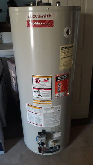 Water heater gas natural 50 galones for Sale in Bakersfield, CA