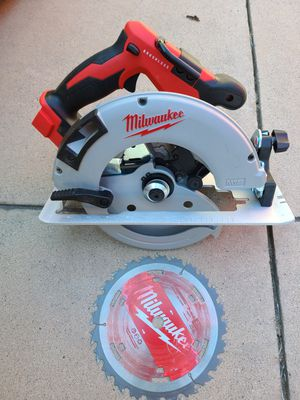 Milwaukee M18 18-Volt Lithium-Ion Brushless Cordless 7-1/4 in. Circular Saw (Tool-Only) for Sale in Murrieta, CA