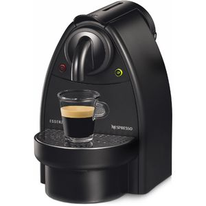 Nespresso coffee maker for Sale in Miami, FL