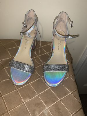Shoes zise 5 for Sale in Raleigh, NC