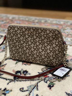 DKNY handbag for Sale in Morton Grove, IL