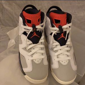 Air Jordan 6 Retro Trainer SC II Size 6 Youth NO BOX for Sale in El Segundo, CA