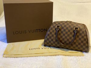 Louis Vuitton Damier Ebene Riviera MM bag $1200 great condition complete inclusion. for Sale in Hayward, CA