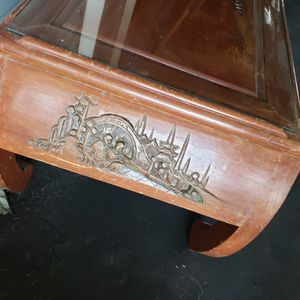 Etched coffee table with glass for Sale in East Wenatchee, WA