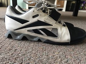 Reebok Lifters Size 10 for Sale in Chicago, IL