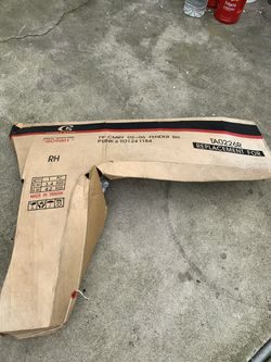 02-06 Right Side Fender After Market Good Condition $50 for Sale in Lakewood, CA