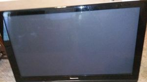 Panasonic TV 48 inches great colorful plasma tv. Includes mounting. for Sale in Addison, TX