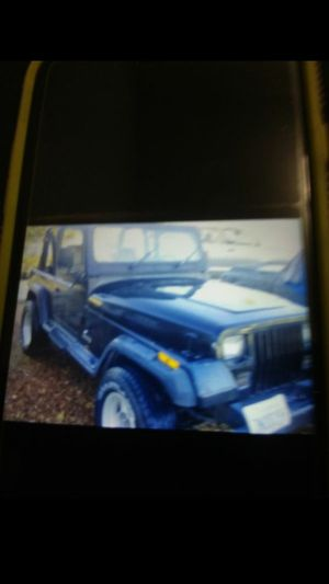 1994 jeep wrangler 4 cylinder 4x4 is a 5speed for Sale in Perris, CA
