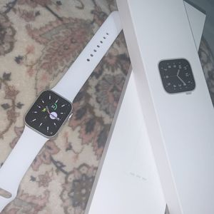 Silver Apple Watch Se for Sale in Ontario, CA