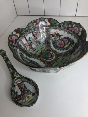 Authentic Oriental Bowl&Spoon Set for Sale in Hialeah, FL