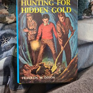 Hunting For Hidden Gold 5# Franklin W. Dixon, Hardback for Sale in Auburn, WA