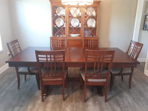 Antique china cabinet and dining table for Sale in Miami, FL
