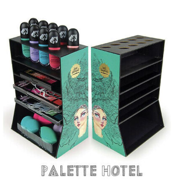 Palette hotel with penthouse