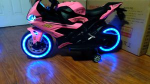 KIDS ELECTRIC MOTORCYCLE WITH BLUETOOTH GOING FAST!!! for Sale in Baytown, TX