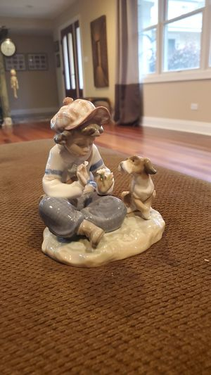 Lladro Figurine for Sale in Glen Ellyn, IL